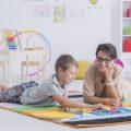Tablice edukacyjne w przedszkolu – ciekawe propozycje oraz sposób ich wykorzystania
